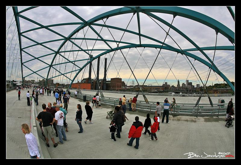 IMAGE: http://www.benjacobsen.com/wp-content/gallery/iway/IMG_2814.jpg